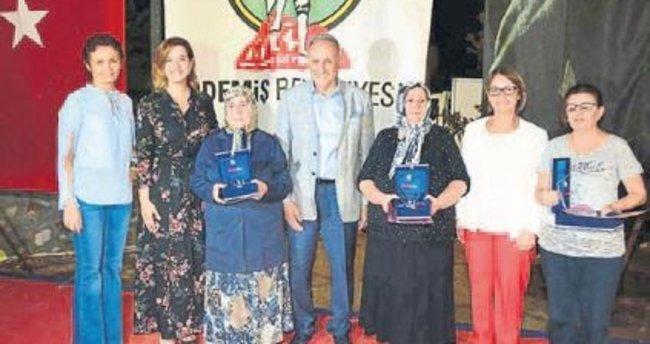 Ödemiş'te iğne oyası yarışması yapıldı