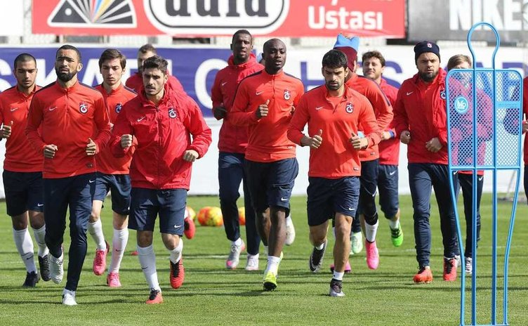 Trabzonspor'da 11 futbolcu kampa götürülmeyecek