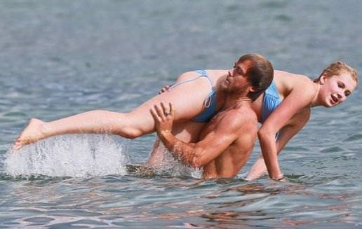 Ünlü çiftin tatil keyfi