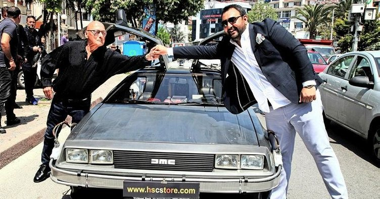 'DeLorean' İstanbul trafiğinde