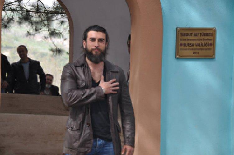 Cengiz Coşkun canlandırdığı karekterin kabrini ziyaret etti