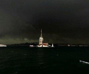 İstanbul'da şiddetli yağış ve dolu hayatı olumsuz etkiledi