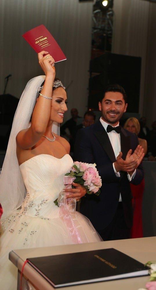 Ersun Yanal, kızını evlendirdi