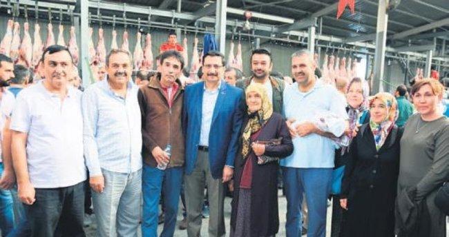 Başkan Mustafa Ak mezbahaneleri gezdi