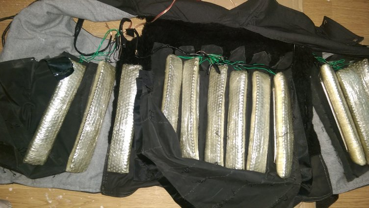 Canlı bombaların üzerinde yakalanan bombalar
