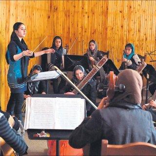 Afganistan ın ilk kadın orkestrası Davos ta