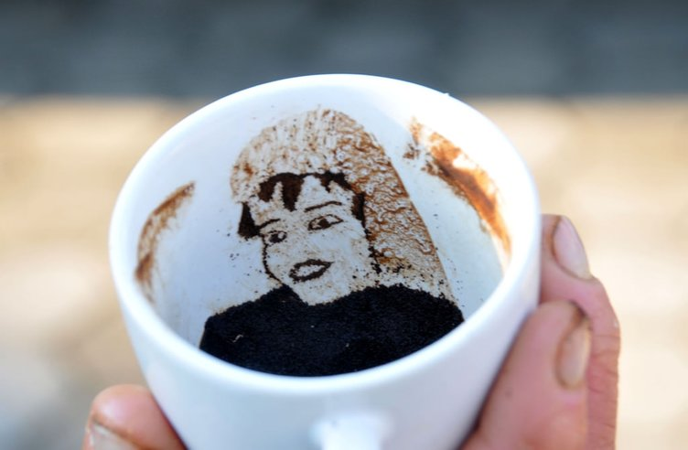 Kahveyi sanata dönüştürüyor