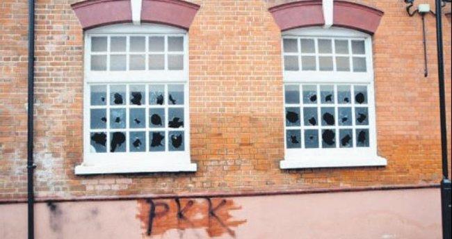 Hainler camiye saldırdı