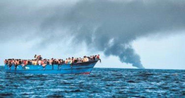 Libya açıklarında 30 göçmen öldü