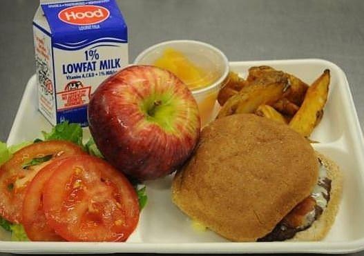 Okulların öğle yemeği listeleri