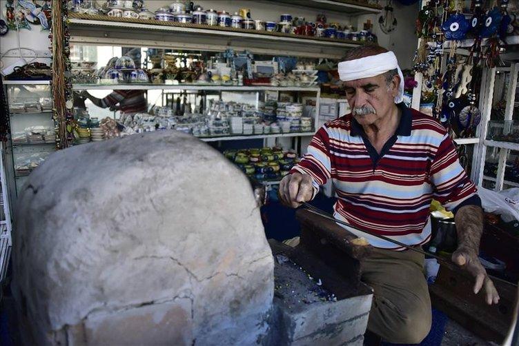 53 yıldır nazar boncuğu üretiyor