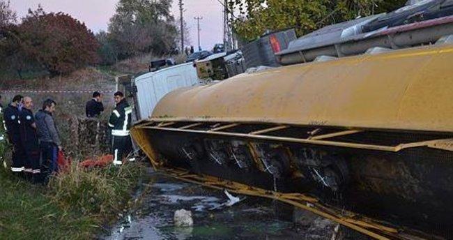 Manisa'da araç şarampole yuvarlandı
