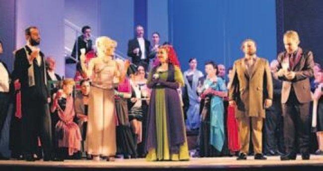 Umutsuz aşk Opera Sahnesi'ne taşındı