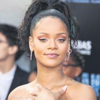 Makyajda Rihanna imzası
