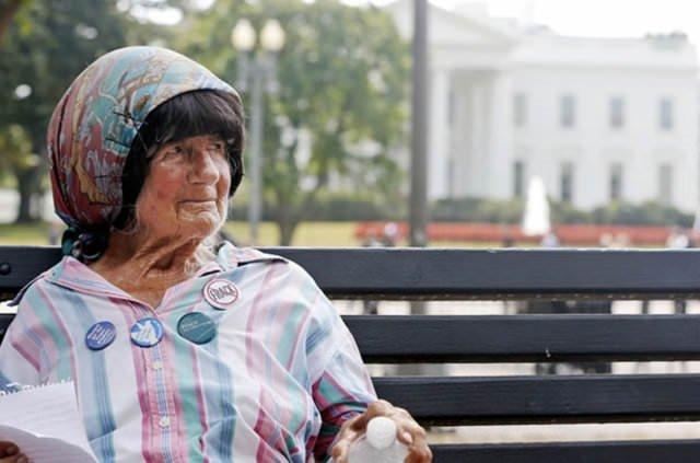 Beyaz Saray'ın 35 yıllık protestocusu öldü