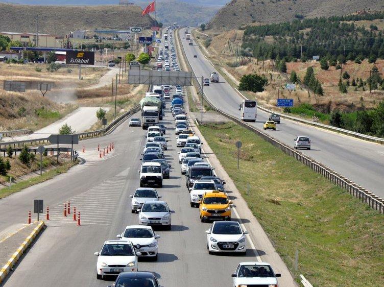 Yurtta bayram trafiği