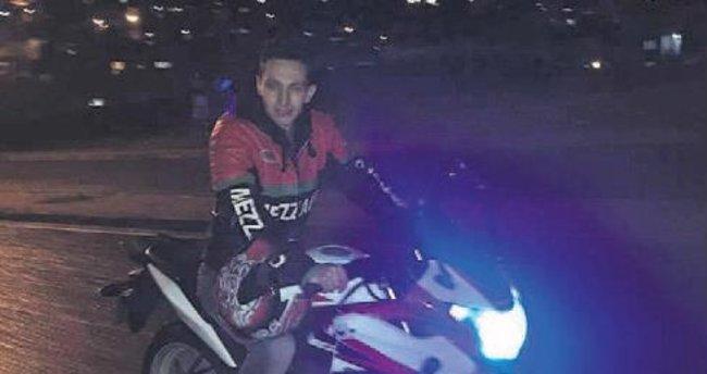 Motosikletli genç kazada can verdi