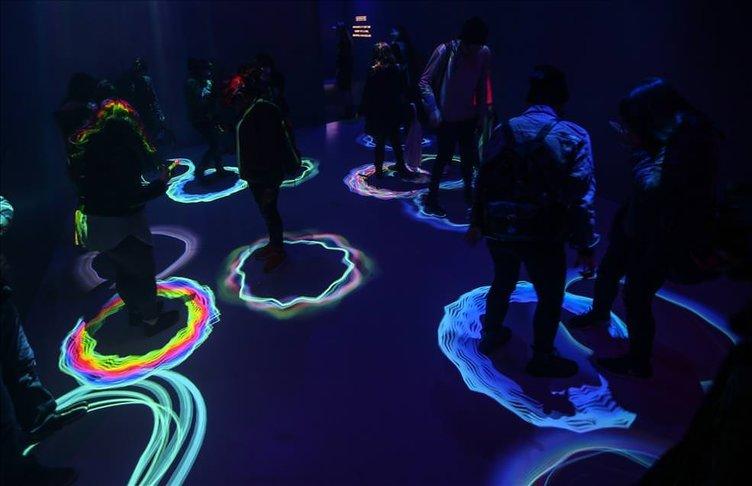 New York'ta ışık gösterisine yoğun ilgi