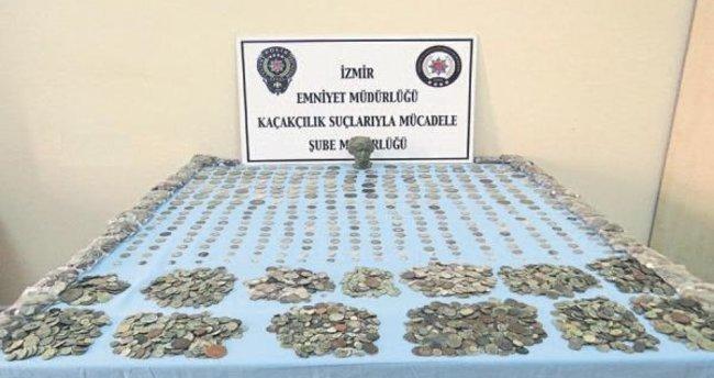İzmir'de 13 bine yakın tarihi eser ele geçirildi