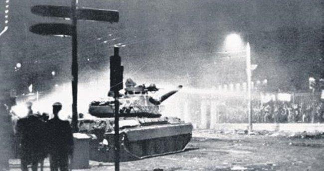 Yunanistan da tank direnişini andı