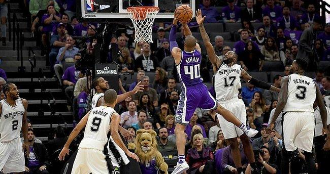 San Antonio Spurs'ten 2'de 2