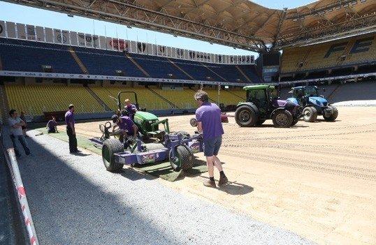 Fenerbahçe'nin stadında hibrit çim dönemi