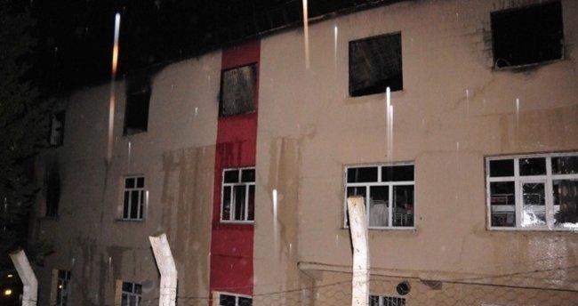 Adana'da yurt yangınında hayatını kaybedenlerin isimleri