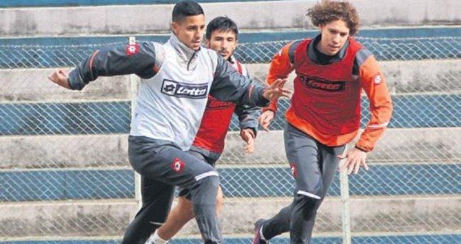 Adanaspor'un gözü Gençler'de