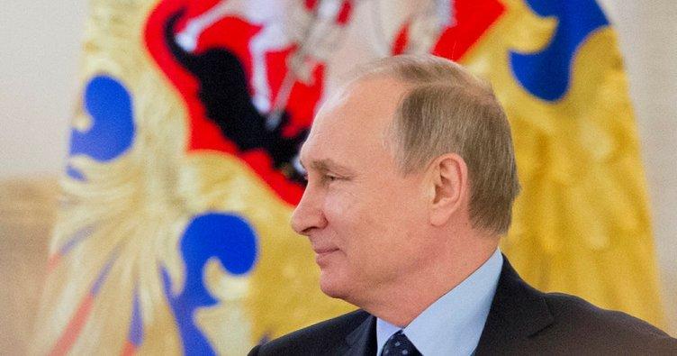 Putin, Macron'u tebrik etti