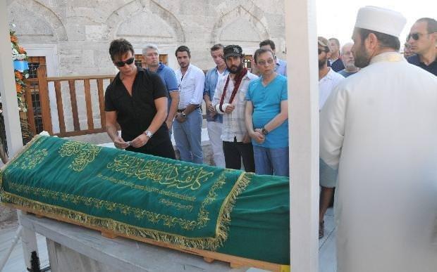 Sinan Akçıl'ın anneannesi vefat etti