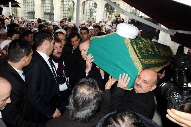 Erdoğan cenazede gördü eline sarıldı