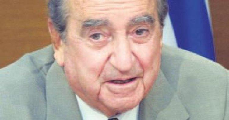 Yunan siyasetinin 'son mohikan'ı vefat etti