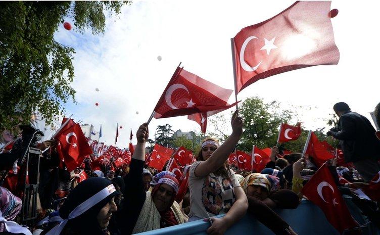 Cumhurbaşkanı Erdoğan'a Trabzon'da büyük ilgi