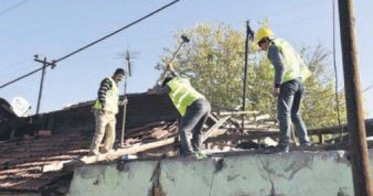 Hıdırlıktepe'de yıkıma devam