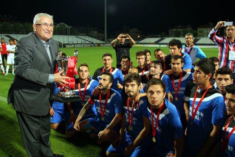 Ankaraspor şampiyonluk maçı dönüşü kaza geçirdi