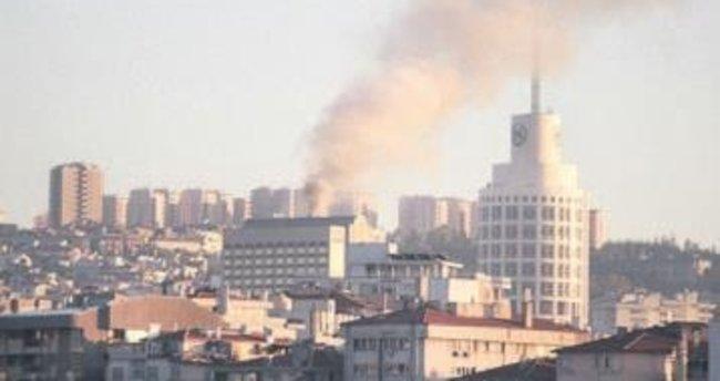 Hilton'un çatısında korkutan yangın