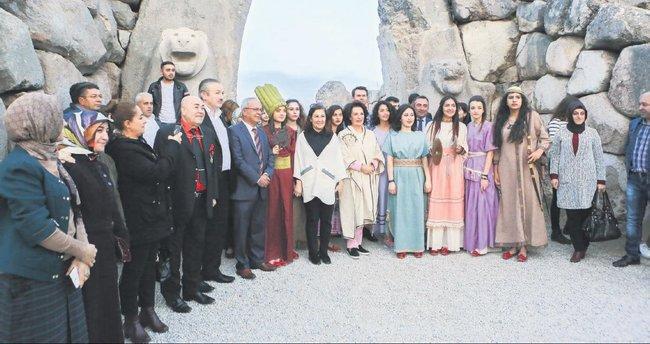 Türk sinemasının efsanesinden tarihi ziyaret