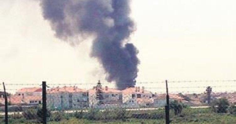 Market yakınına uçak düştü: 5 ölü