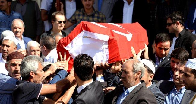 Diyarbakır'da AK Parti ilçe başkanına terör saldırısı