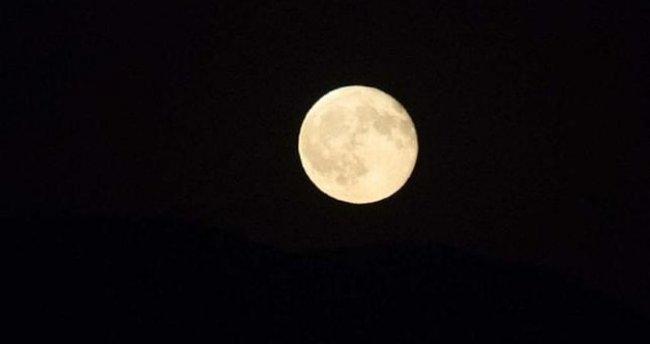 Bu gece 'Süper Ay' daha parlak ve daha büyük olacak
