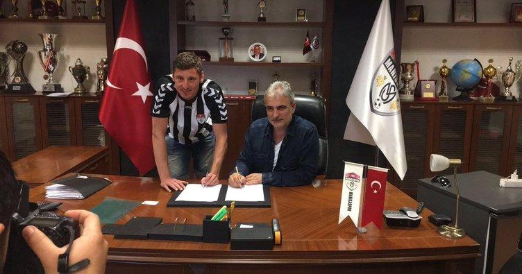 Manisaspor Hikmet'le 2 yıllık sözleşme imzaladı