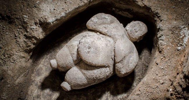 Çatalhöyük'te 'eşsiz' kadın heykelciği bulundu