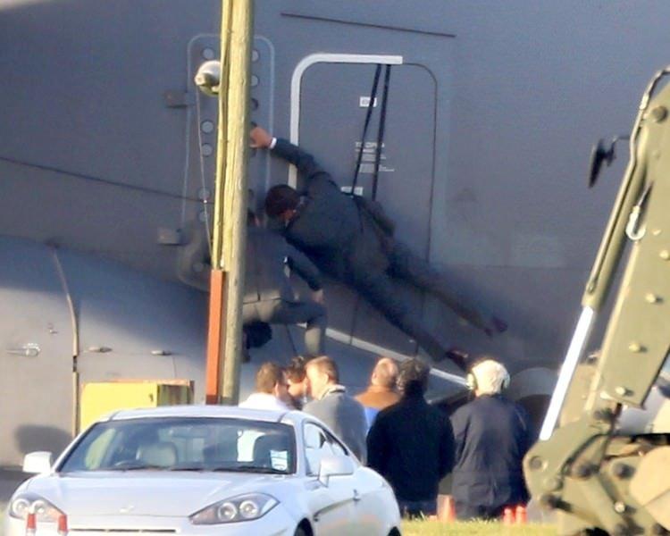Tom Cruise'dan tehlikeli uçuş