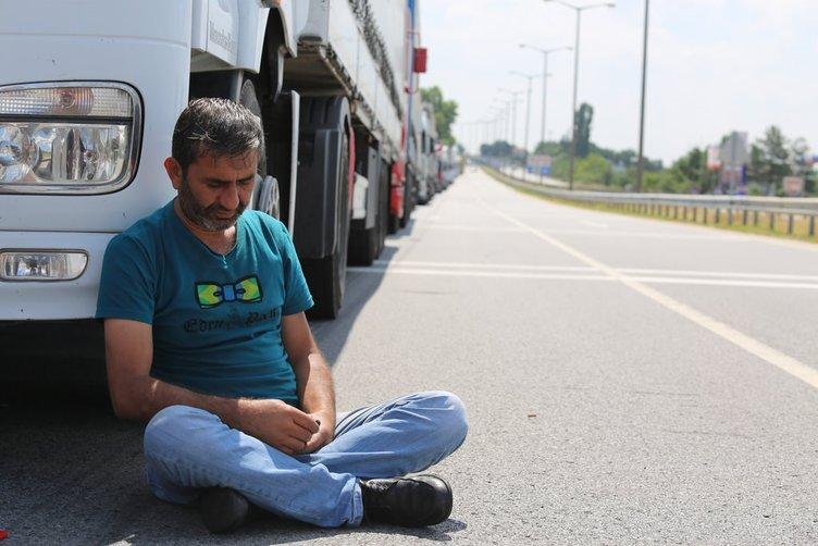 TIR şoförleri sınırdaki bitmeyen kuyruğa isyan etti