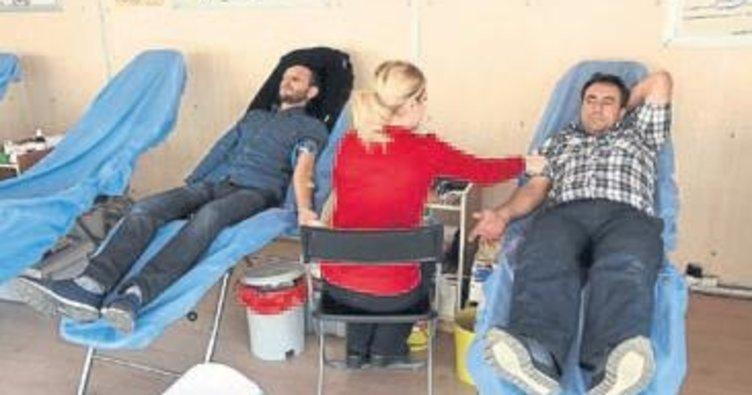 Kızılay Aliağa'da bağışçılarıı bekliyor