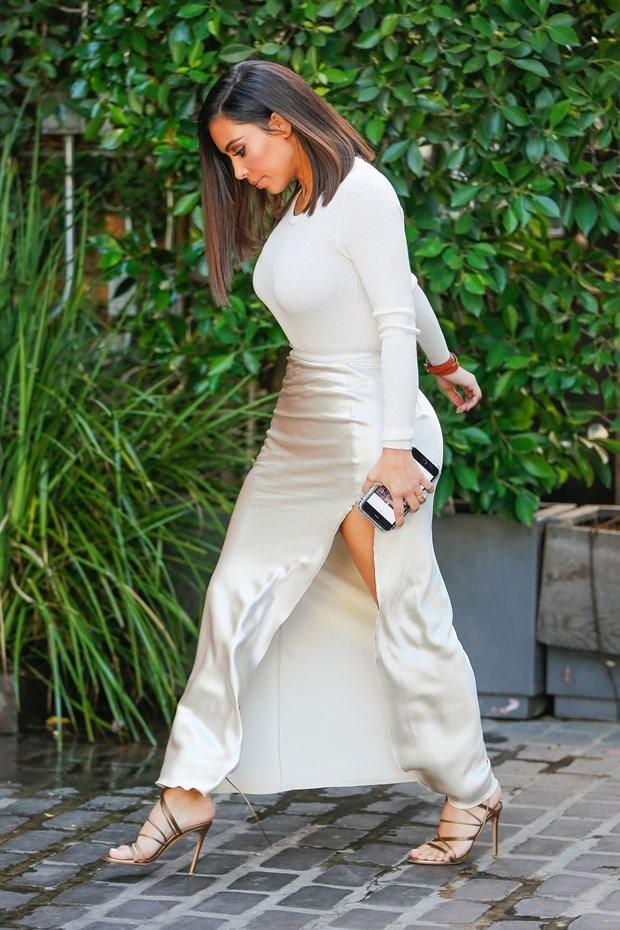 Kim Kardashian inci beyazı!