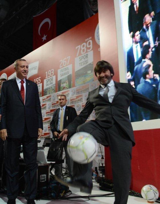 Başbakan Erdoğan'dan futbol şov