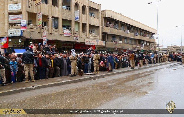IŞİD böyle uzuv kesiyor