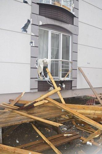 Fırtına dizi setini vurdu