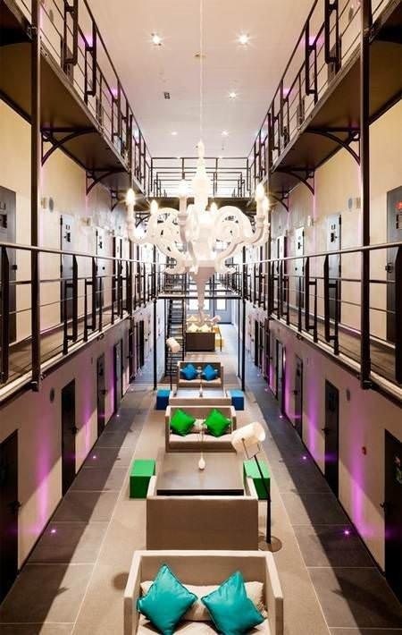 Hapishane görünümlü lüks otel
